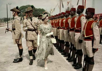 Queen Elizabeth 2 visited Nigerian army in 1965_ Check post Marathi fact